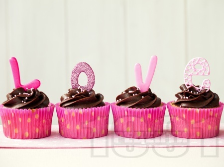 Романтични мъфини за десерт за Свети Валентин - снимка на рецептата